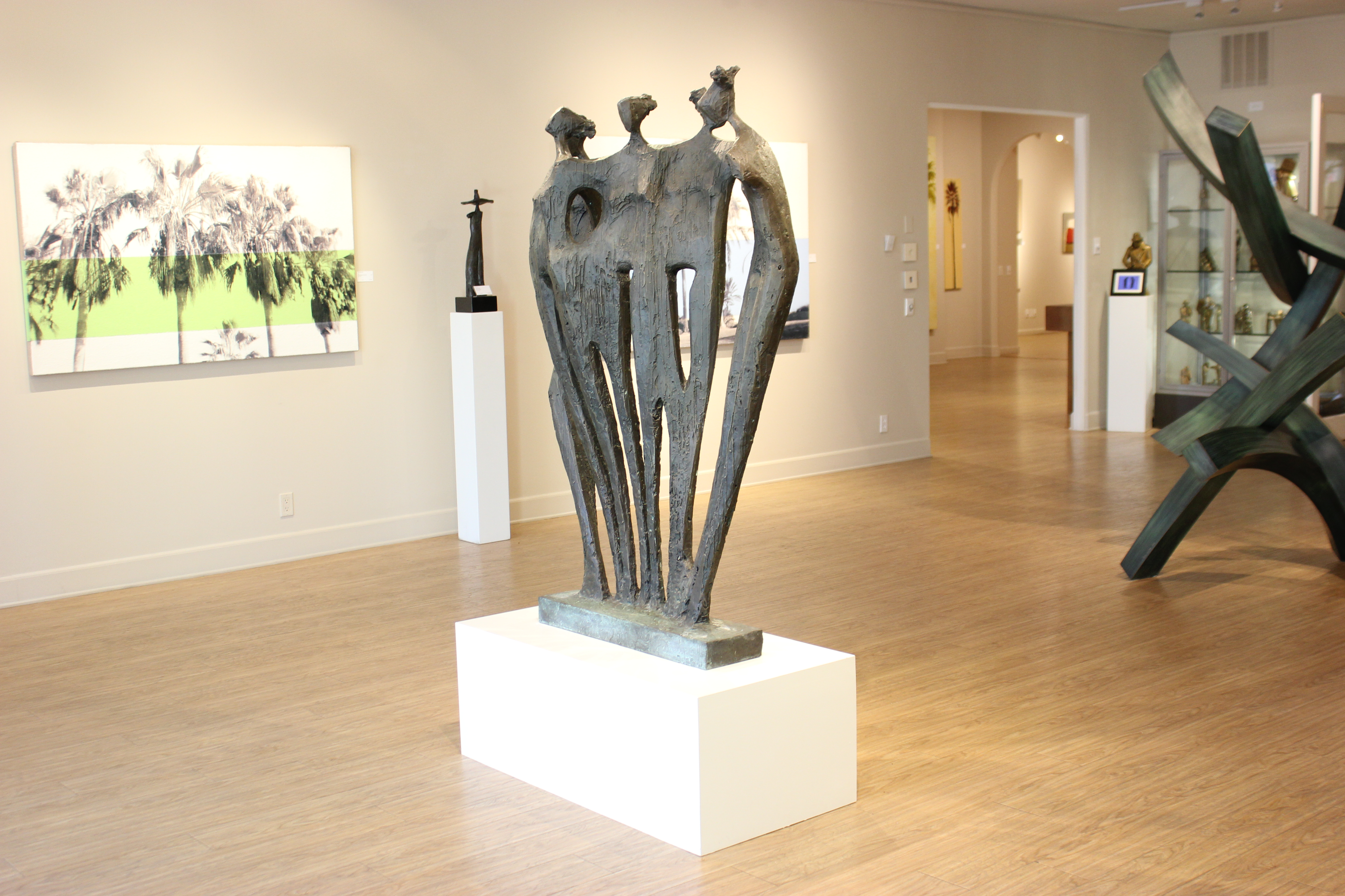 Family Group in Gallery (5)