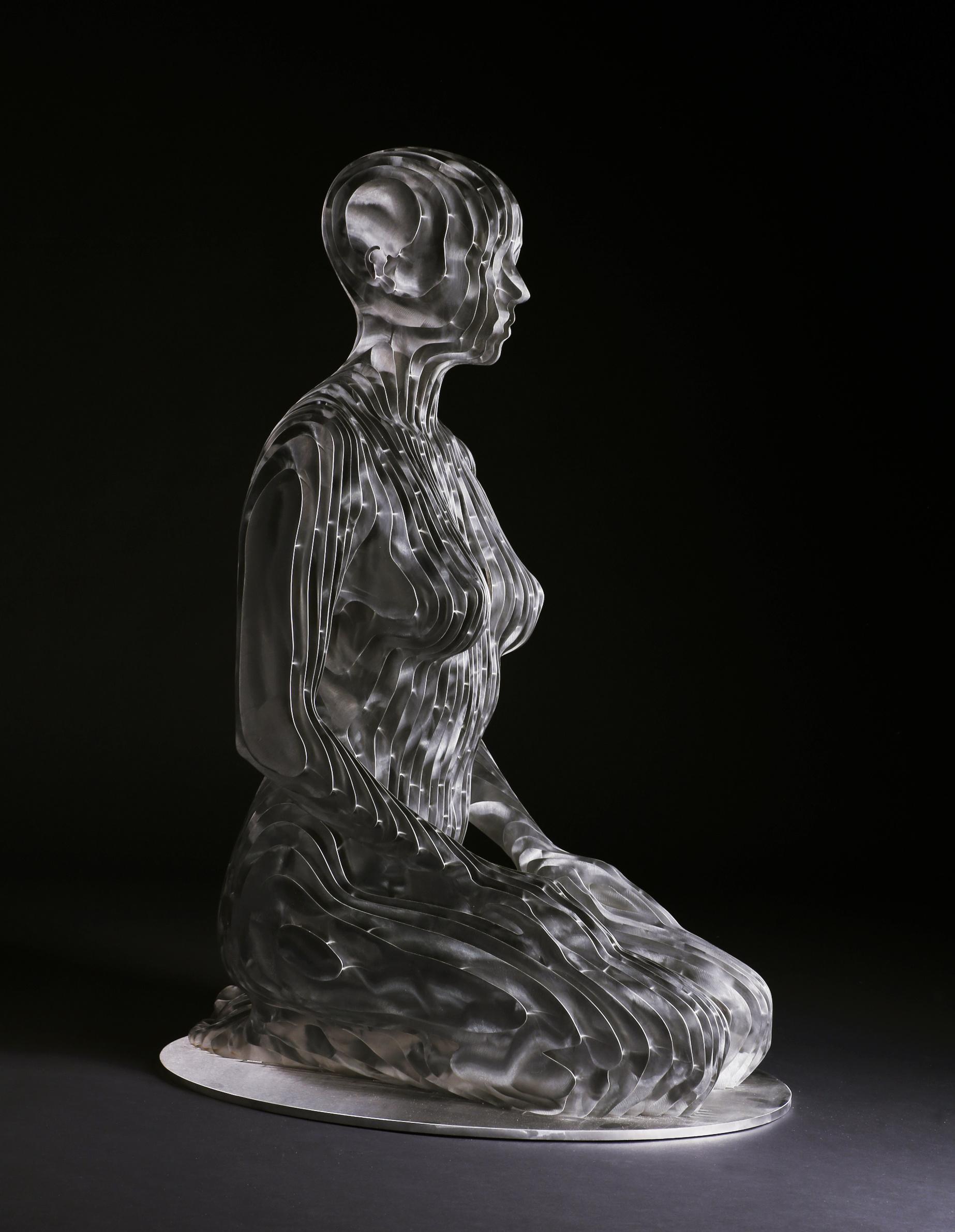 268_Life-size kneeling Woman (2)