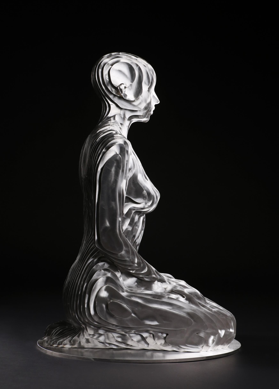 269_Life-size kneeling Woman (2)